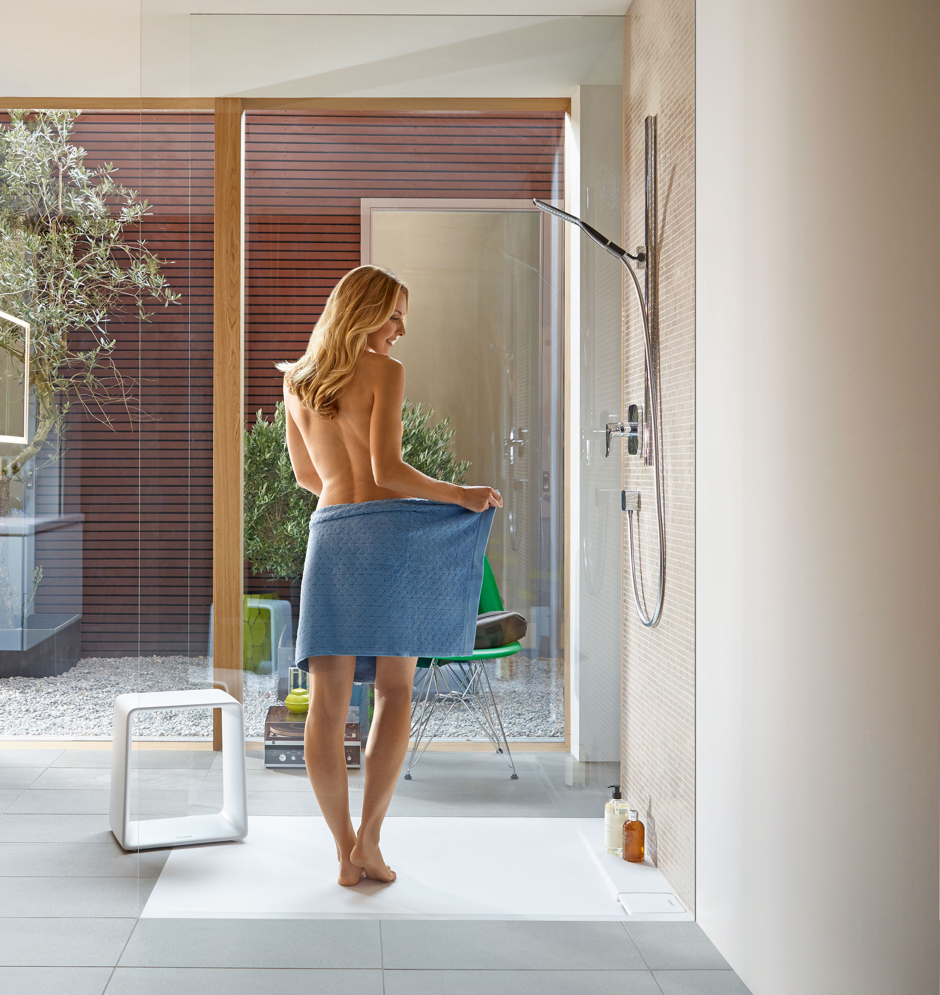 Duschabtrennung duschtrennwand aus glas duravit for Platos de ducha a ras de suelo